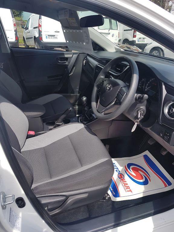 2016 Toyota Auris 1.4d-4d Terra 4DR (161D15108) Image 7