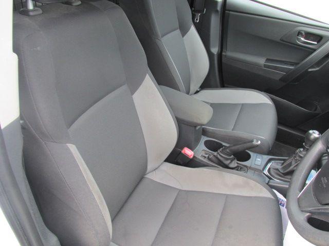 2016 Toyota Auris 1.4d-4d Terra 4DR (161D15120) Image 12