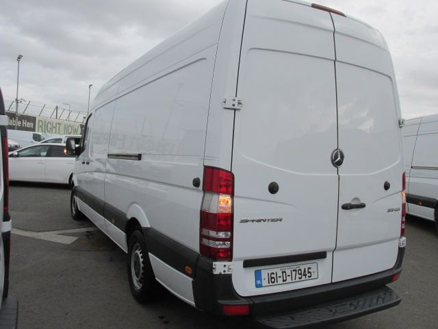 2016 Mercedes-Benz A Class CDI VAN 5DR (161D17945) Image 5
