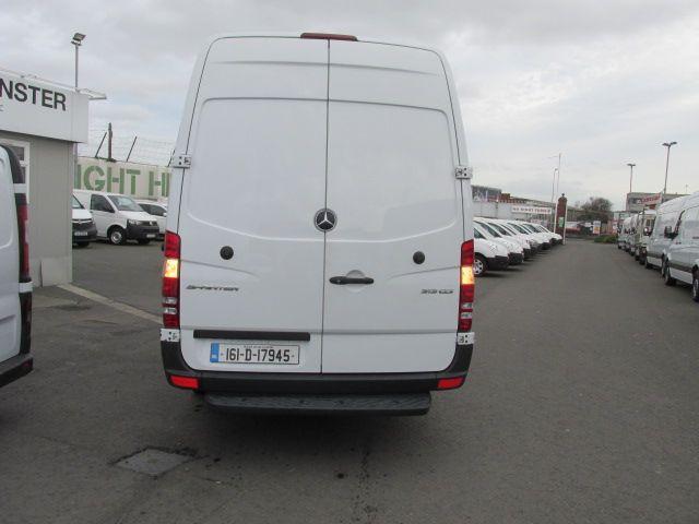2016 Mercedes-Benz A Class CDI VAN 5DR (161D17945) Image 4