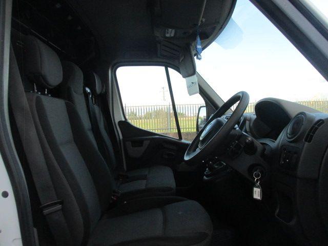 2016 Renault Master III RWD LML35 DCI 135 Energy Busin (161D18193) Image 12