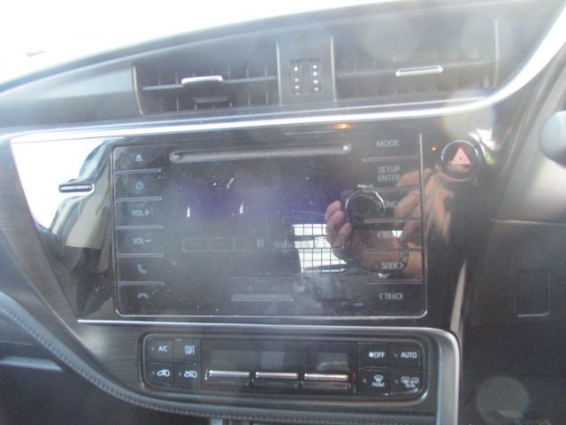 2016 Toyota Auris 1.4d-4d Terra 4DR (161D32326) Image 14