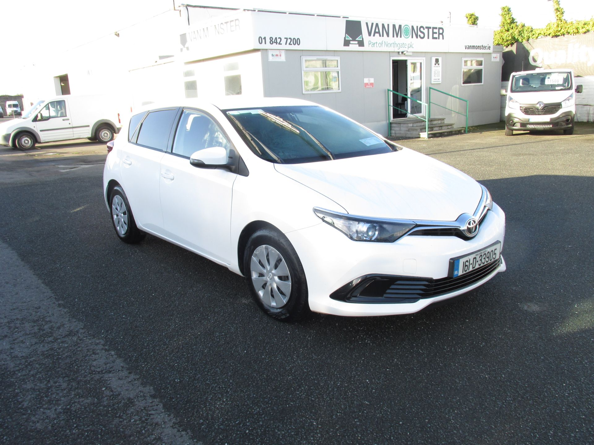 2016 Toyota Auris 1.4d-4d Terra 4DR click and collect call sales for more info (161D33905) Image 1