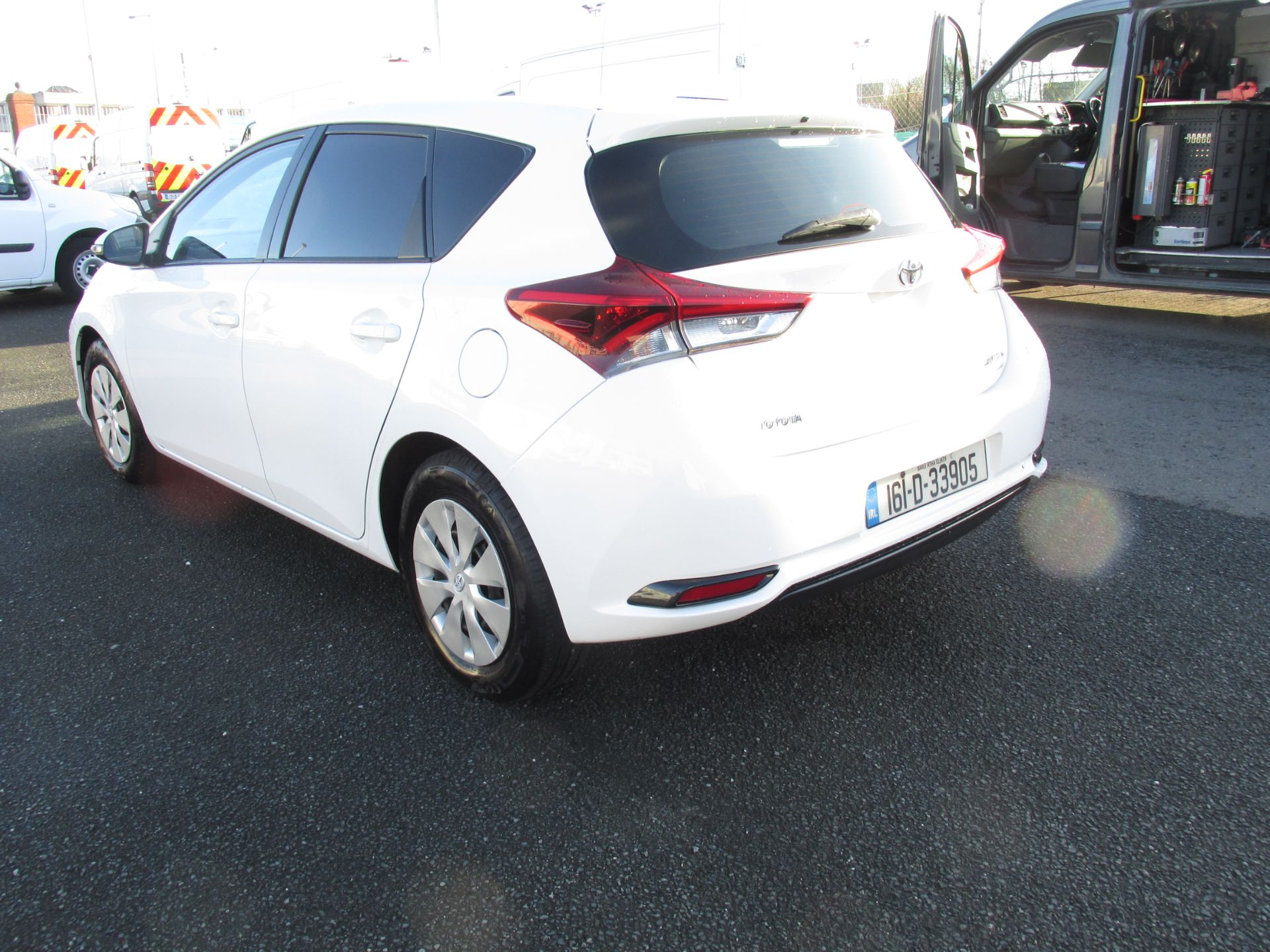 2016 Toyota Auris 1.4d-4d Terra 4DR click and collect call sales for more info (161D33905) Image 5