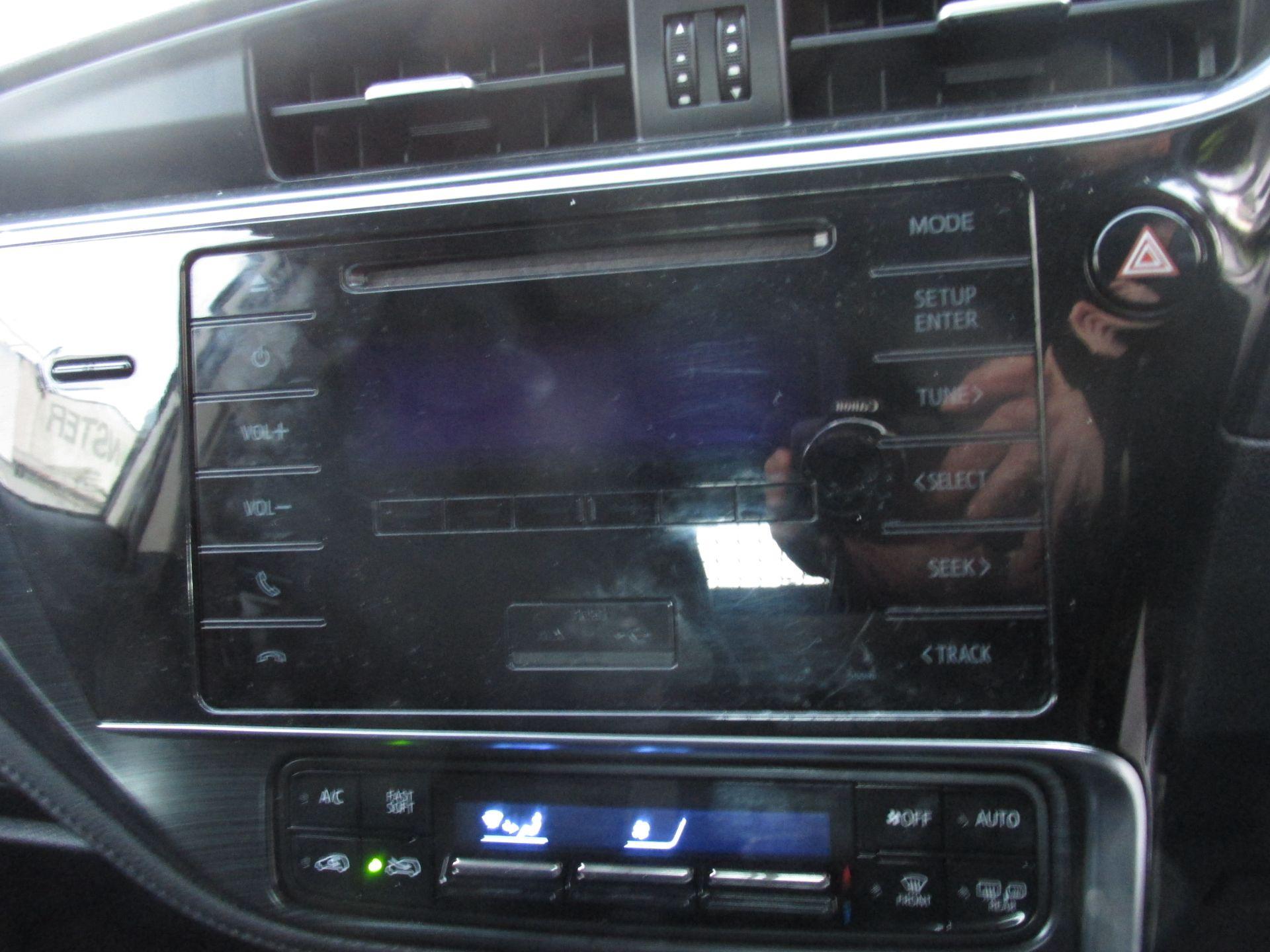 2016 Toyota Auris 1.4d-4d Terra 4DR (161D4146) Image 14