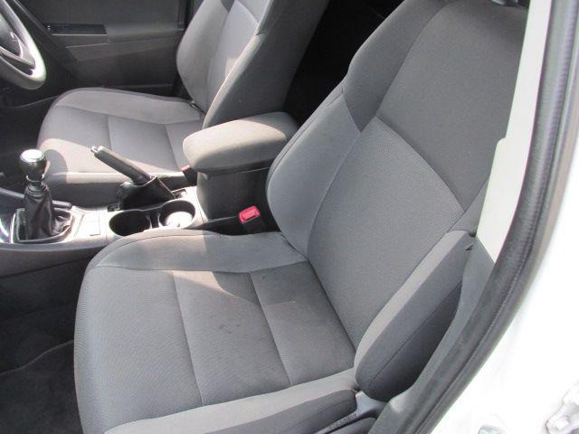 2016 Toyota Auris 1.4d-4d Terra 4DR (161D4148) Image 10
