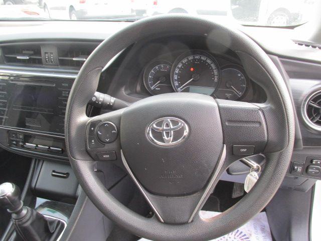 2016 Toyota Auris 1.4d-4d Terra 4DR (161D4150) Image 12