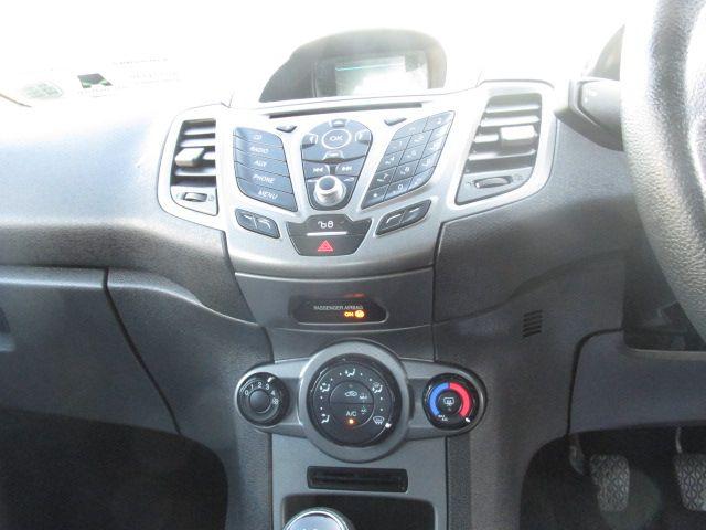 2016 Ford Fiesta BASE TDCI (161D42762) Image 13