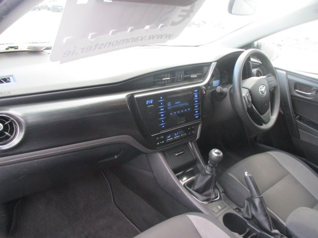 2016 Toyota Auris 1.4d-4d Terra 4DR (161D44482) Image 10