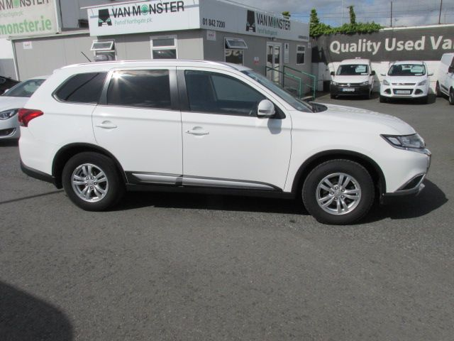 2016 Mitsubishi Outlander 4WD 6MT 16MY 4DR  - HIGH SPEC - AS NEW  (161D46553) Image 2