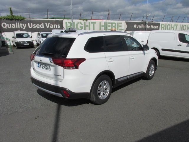 2016 Mitsubishi Outlander 4WD 6MT 16MY 4DR  - HIGH SPEC - AS NEW  (161D46553) Image 3