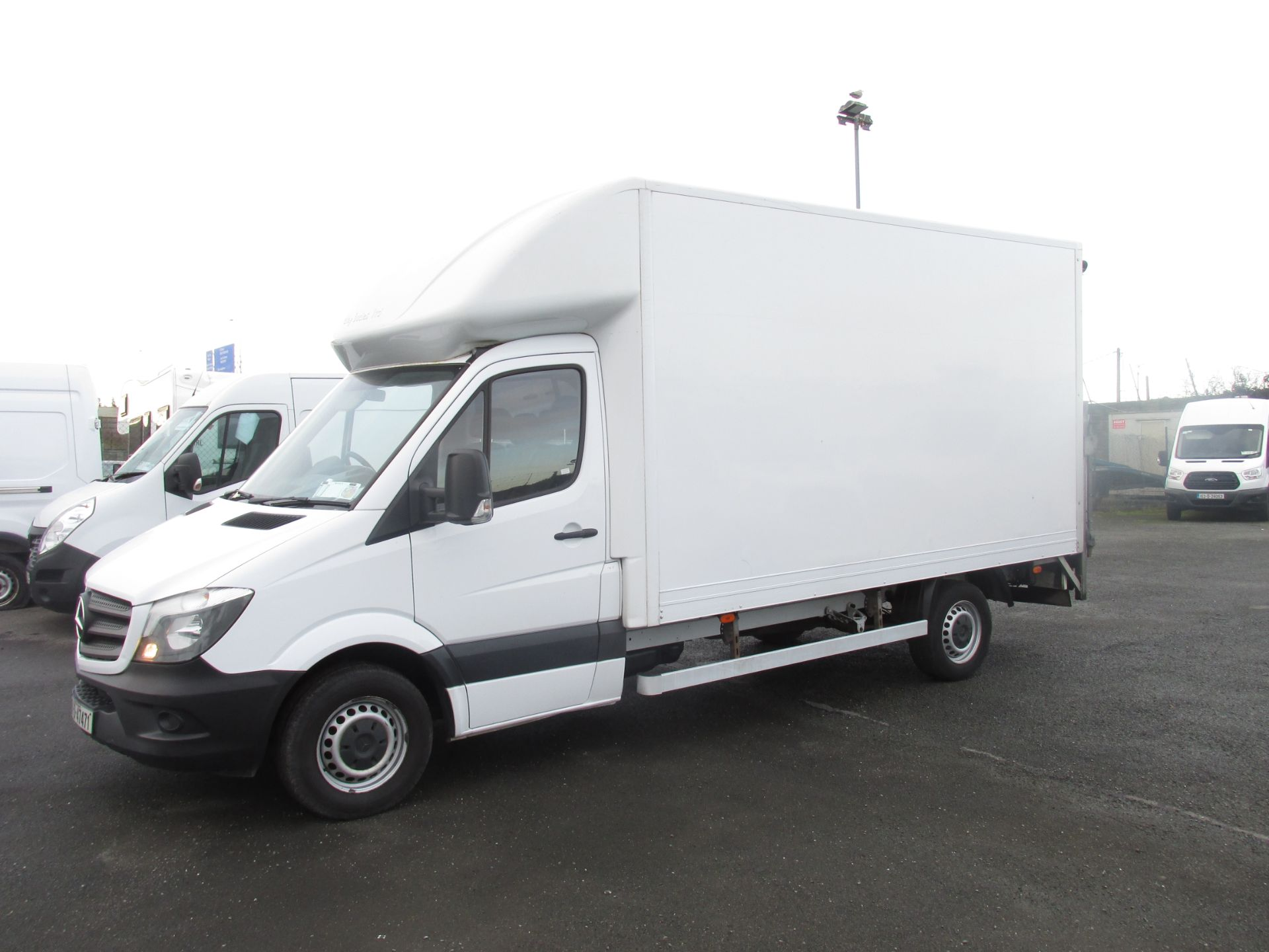 2016 Mercedes-Benz Sprinter 313 CDI Luton Body (161D47471) Image 3