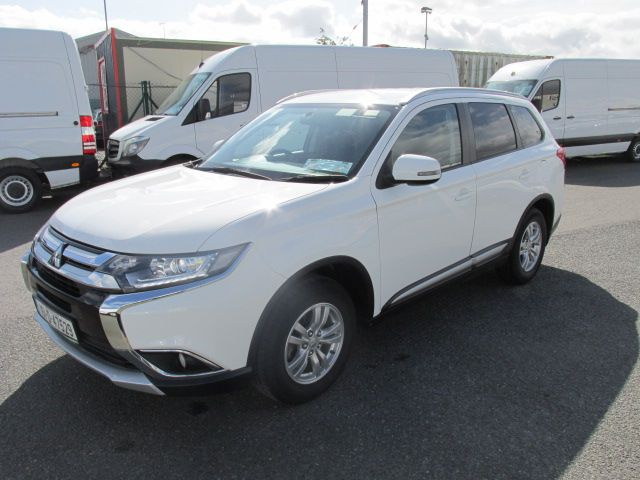 2016 Mitsubishi Outlander 4WD 6MT 16MY 4DR - HIGH SPEC  - FSH - AS NEW  (161D47529) Image 9