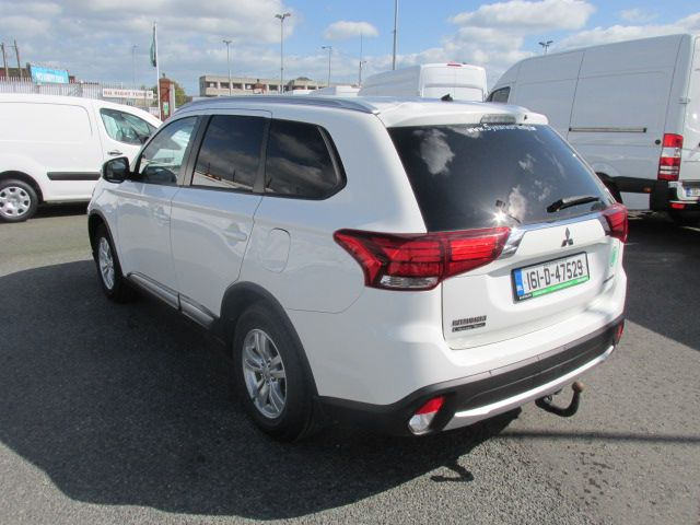 2016 Mitsubishi Outlander 4WD 6MT 16MY 4DR - HIGH SPEC  - FSH - AS NEW  (161D47529) Image 6