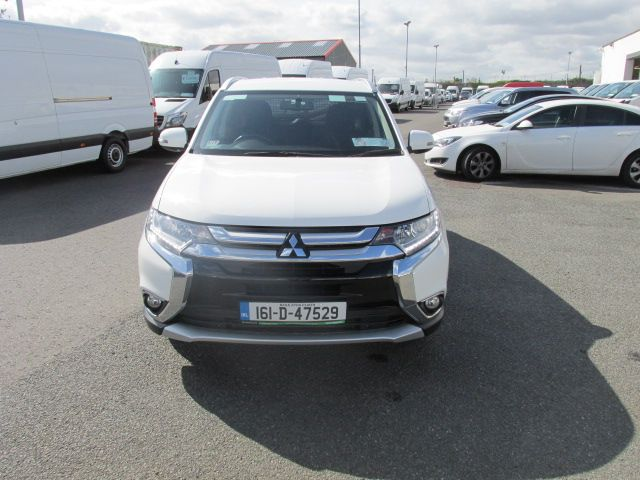 2016 Mitsubishi Outlander 4WD 6MT 16MY 4DR - HIGH SPEC  - FSH - AS NEW  (161D47529) Image 10
