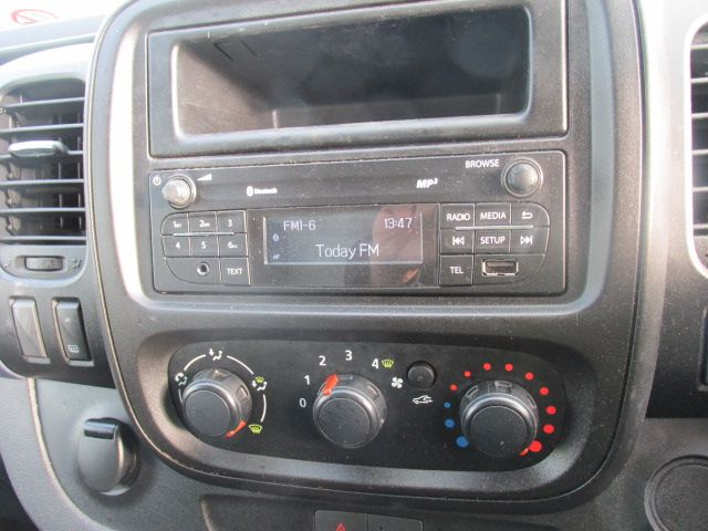 2016 Vauxhall Vivaro 2900 Cdti 5DR *SALE PRICE* (161D48144) Image 12