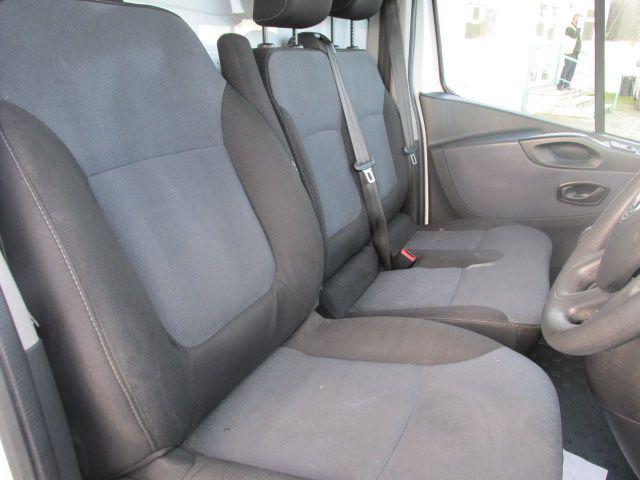 2016 Vauxhall Vivaro 2900 Cdti 5DR *SALE PRICE* (161D48144) Image 11