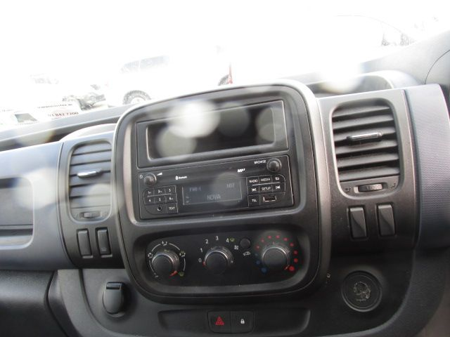 2016 Vauxhall Vivaro 2900 L2H1 CDTI P/V (161D48172) Image 16