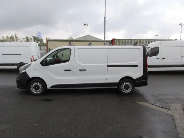 2016 Vauxhall Vivaro 2900 L2H1 CDTI P/V (161D54273) Image 4