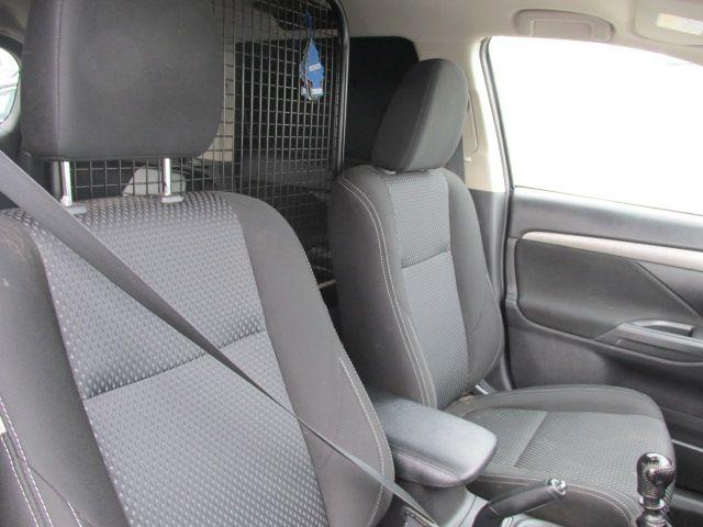 2016 Mitsubishi Outlander 4WD 6MT N1 16MY 4DR (161D5767) Image 12