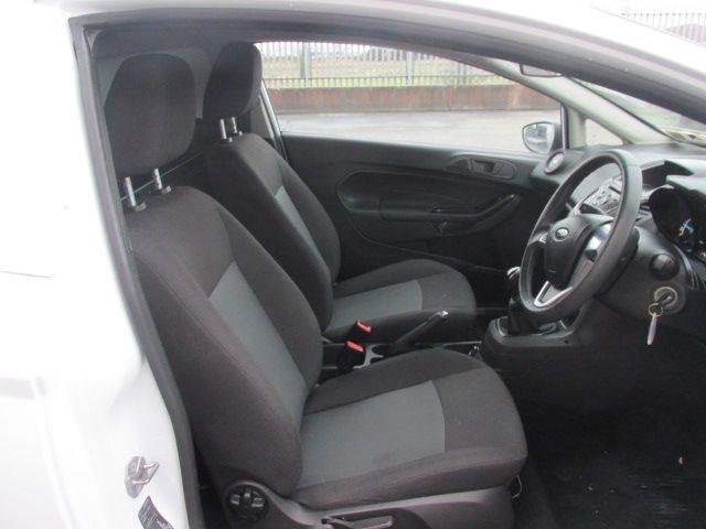 2016 Ford Fiesta BASE TDCI (161D42762) Image 12