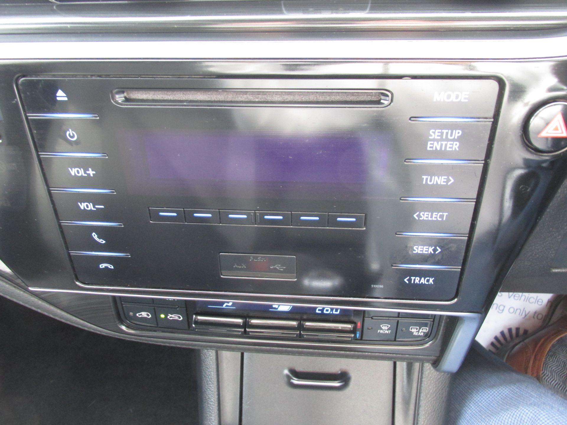2016 Toyota Auris 1.4d-4d Terra 4DR (161D43009) Image 12