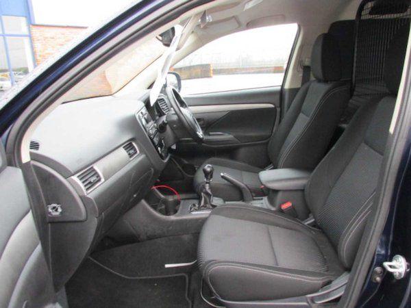 2016 Mitsubishi Outlander 4WD 6MT N1 16MY 4DR (161D5800) Image 12