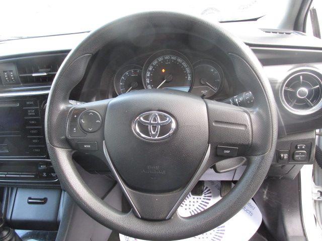 2016 Toyota Auris 1.4d-4d Terra 4DR - LOW MILEAGE - ONE  OWNER - FSH - (162D15464) Image 13