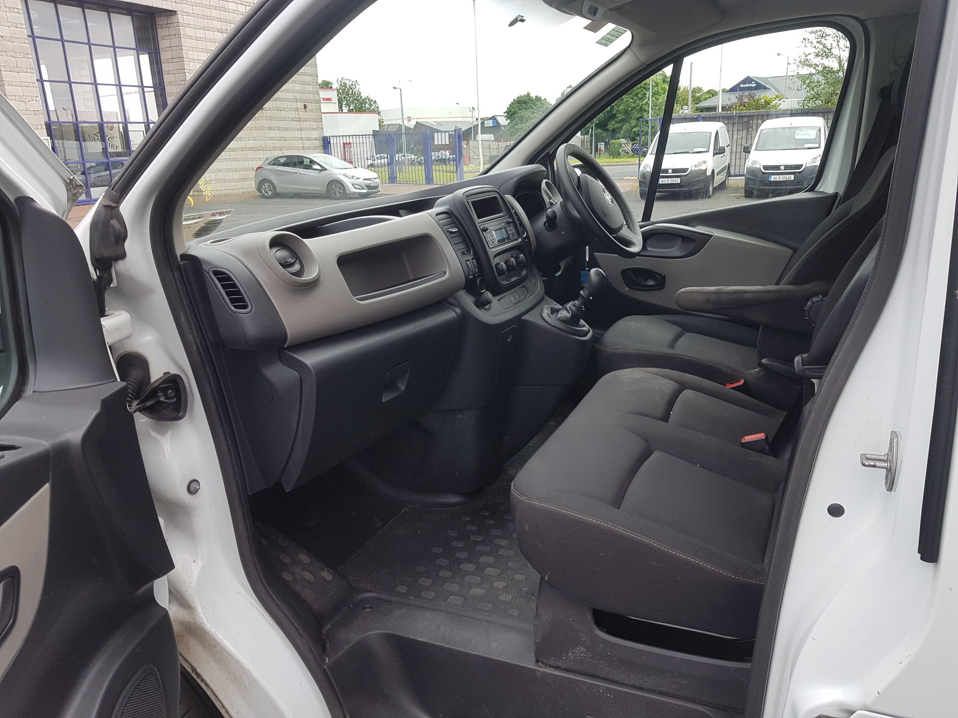 2016 Renault Trafic LL29 Energy DCI 120 Business (162D18438) Image 12