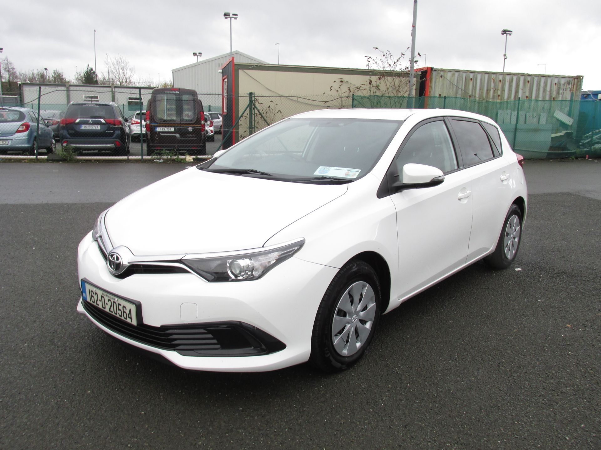 2016 Toyota Auris 1.4d-4d Terra 4DR click and deliver call sales for more info (162D20564) Image 3