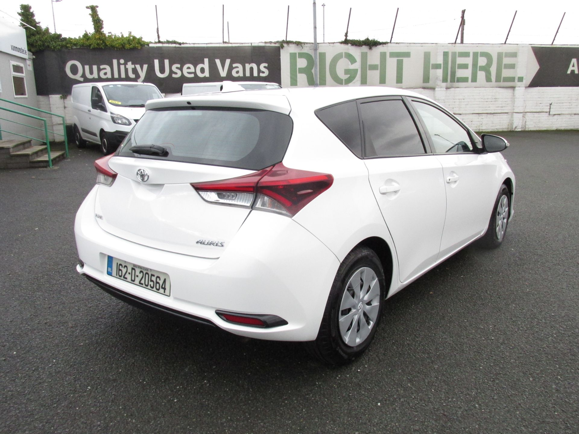 2016 Toyota Auris 1.4d-4d Terra 4DR click and deliver call sales for more info (162D20564) Image 7