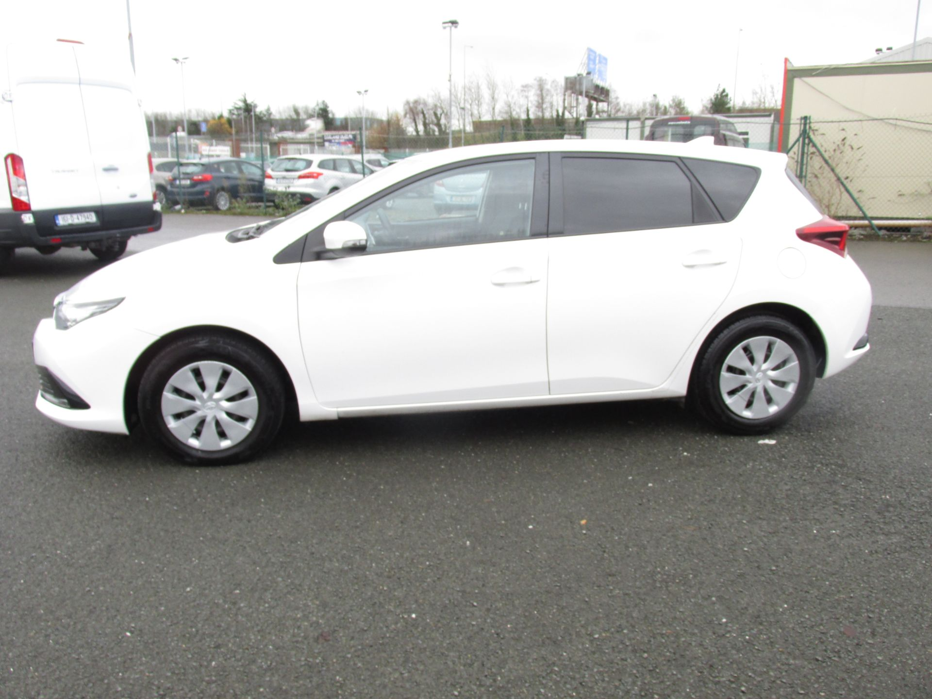 2016 Toyota Auris 1.4d-4d Terra 4DR click and deliver call sales for more info (162D20564) Image 4
