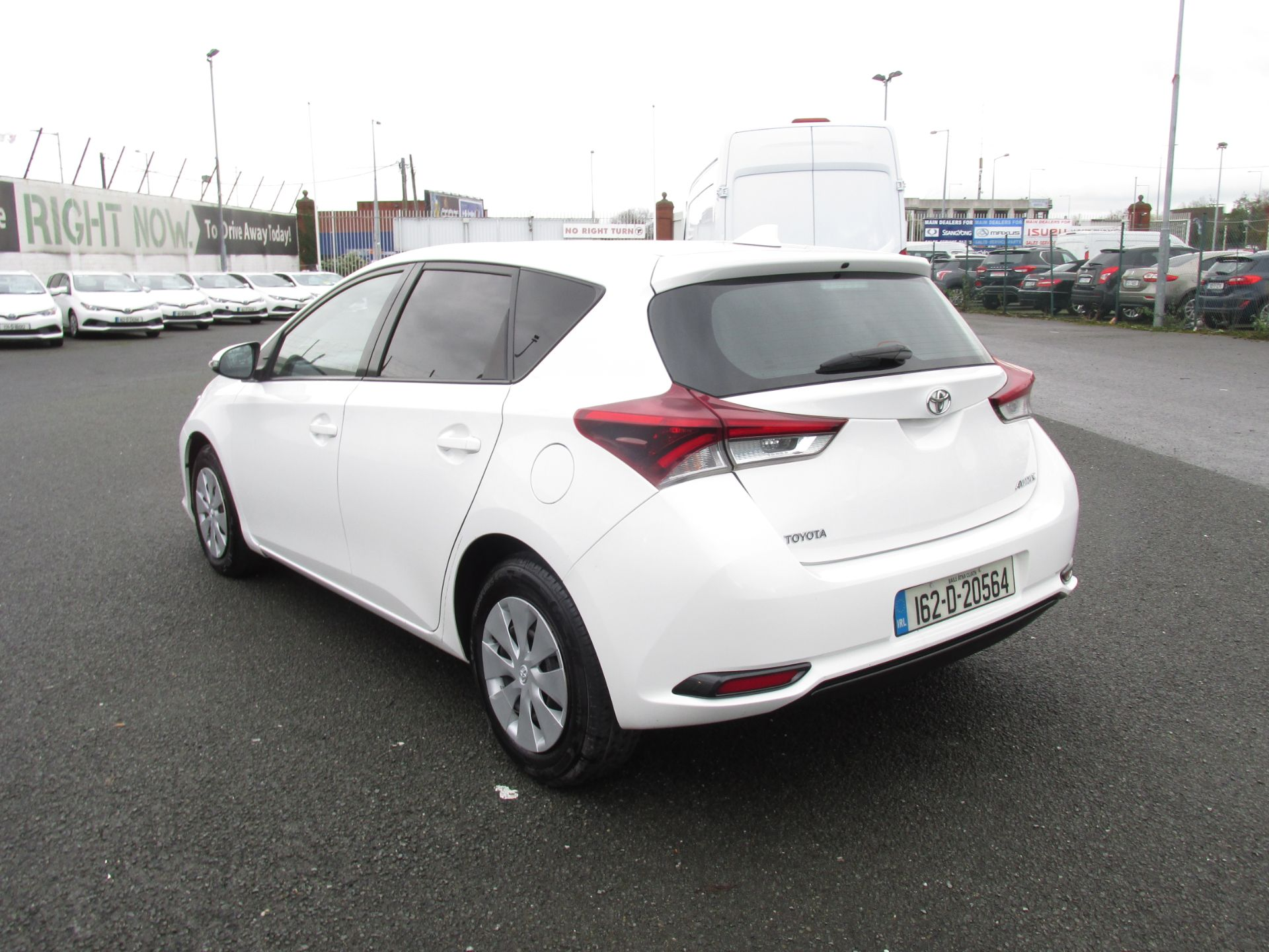 2016 Toyota Auris 1.4d-4d Terra 4DR click and deliver call sales for more info (162D20564) Image 5