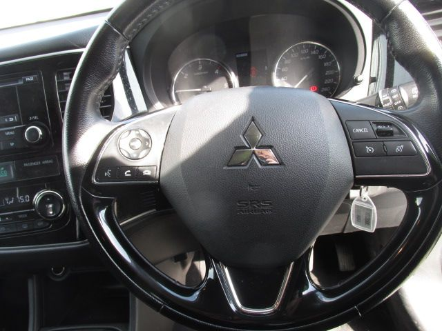 2016 Mitsubishi Outlander Outl 4WD 6MT 16MY 4DR - LOW MILES - FSH - SILVER MET -  (162D20680) Image 15