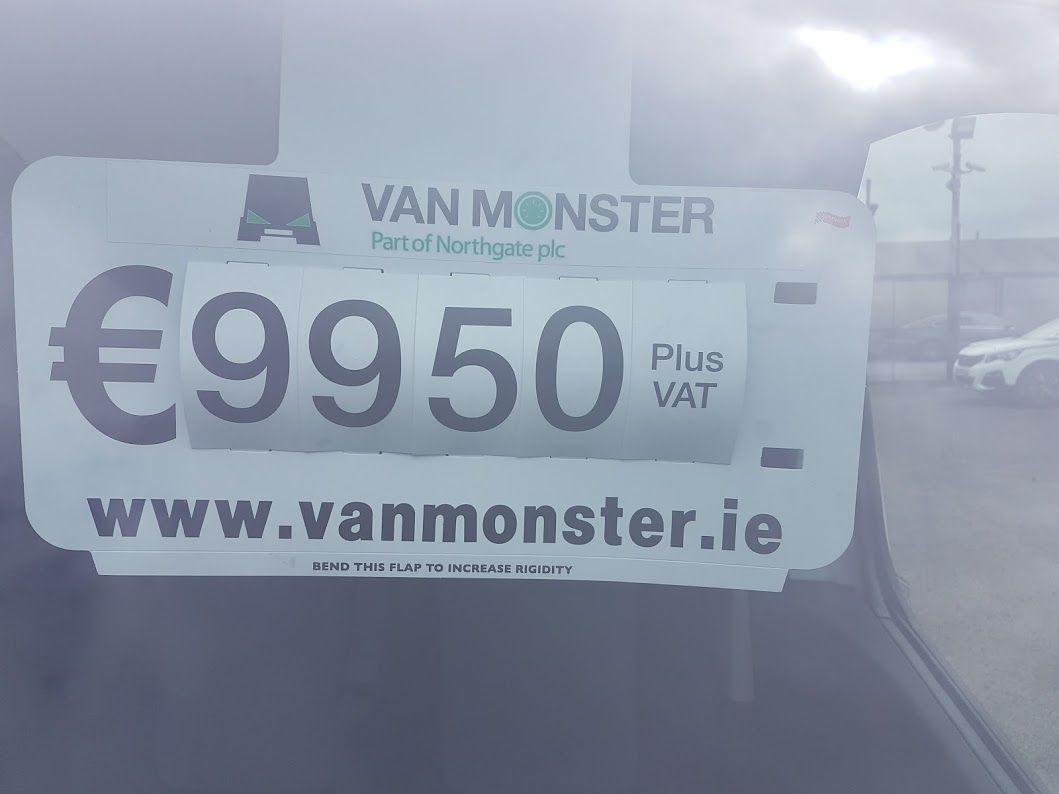 2016 Vauxhall Vivaro LWB Van 2900 5Dr. (162D23994) Image 3