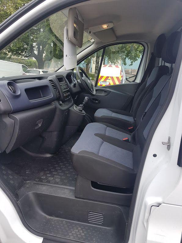 2016 Vauxhall Vivaro LWB Van 2900 5Dr. (162D23994) Image 16