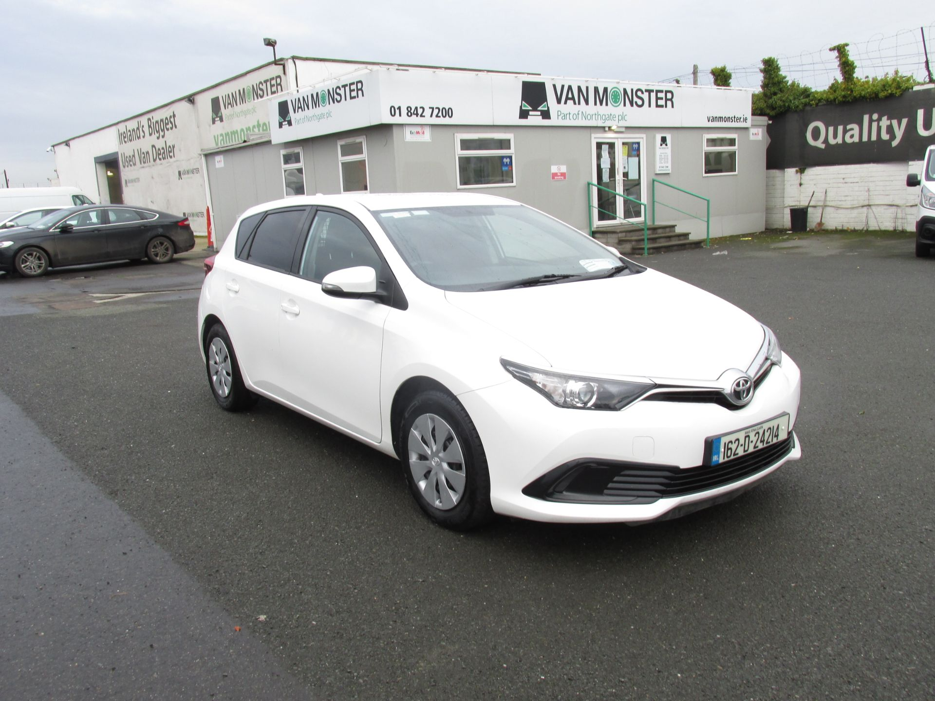 2016 Toyota Auris 1.4d-4d Terra 4DR click and collect call sales for more info (162D24214)
