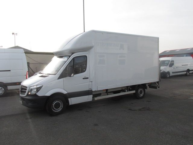 2016 Mercedes-Benz Sprinter 314CDI LUTON BODY (162D24510) Thumbnail 3