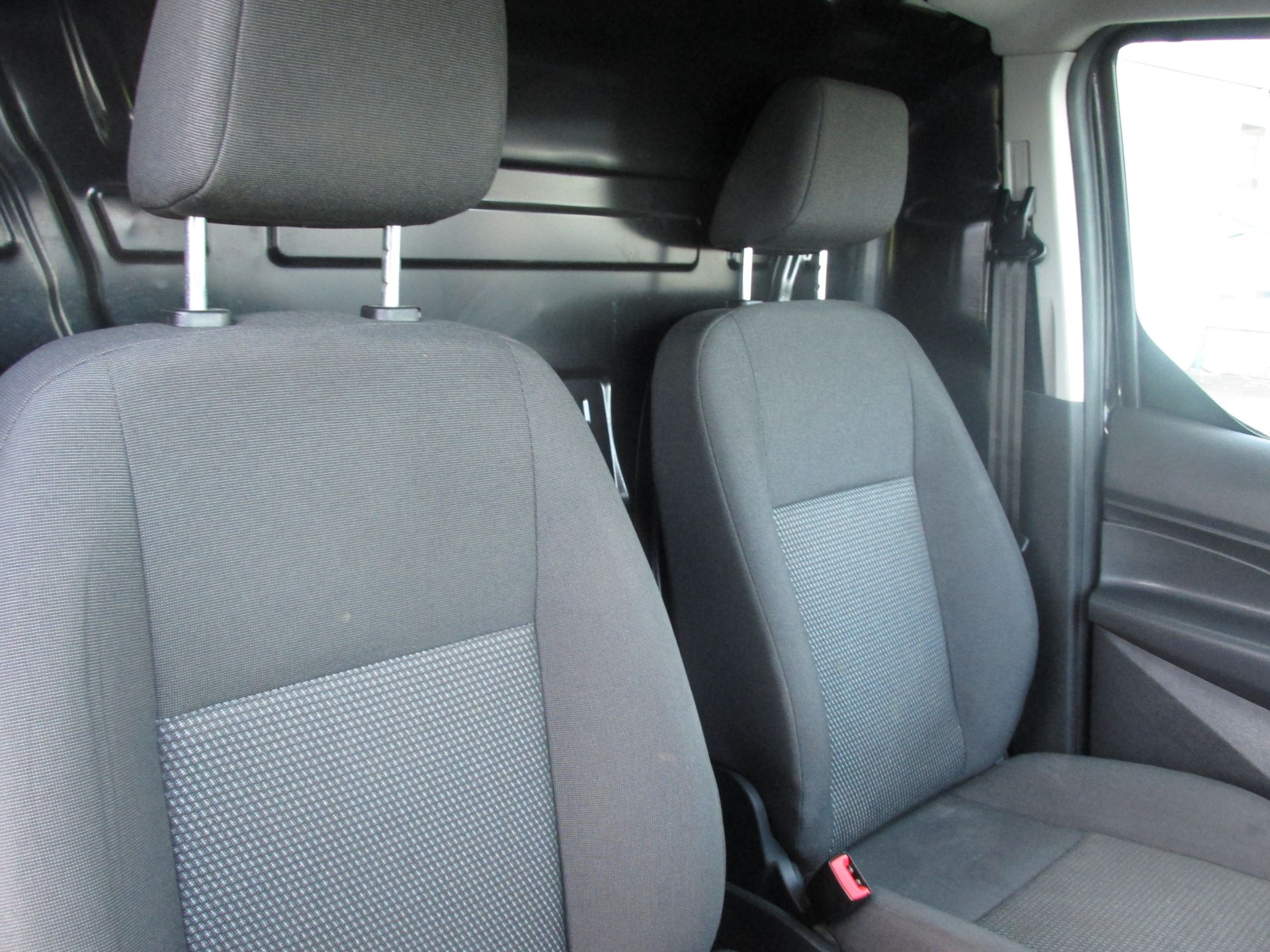2016 Ford Transit T Connect SWB 1.5TD 75PS 5SPD - DEAL OF THE WEEK - R/RACK - PLY LINED -BLACK (162D7507) Image 12