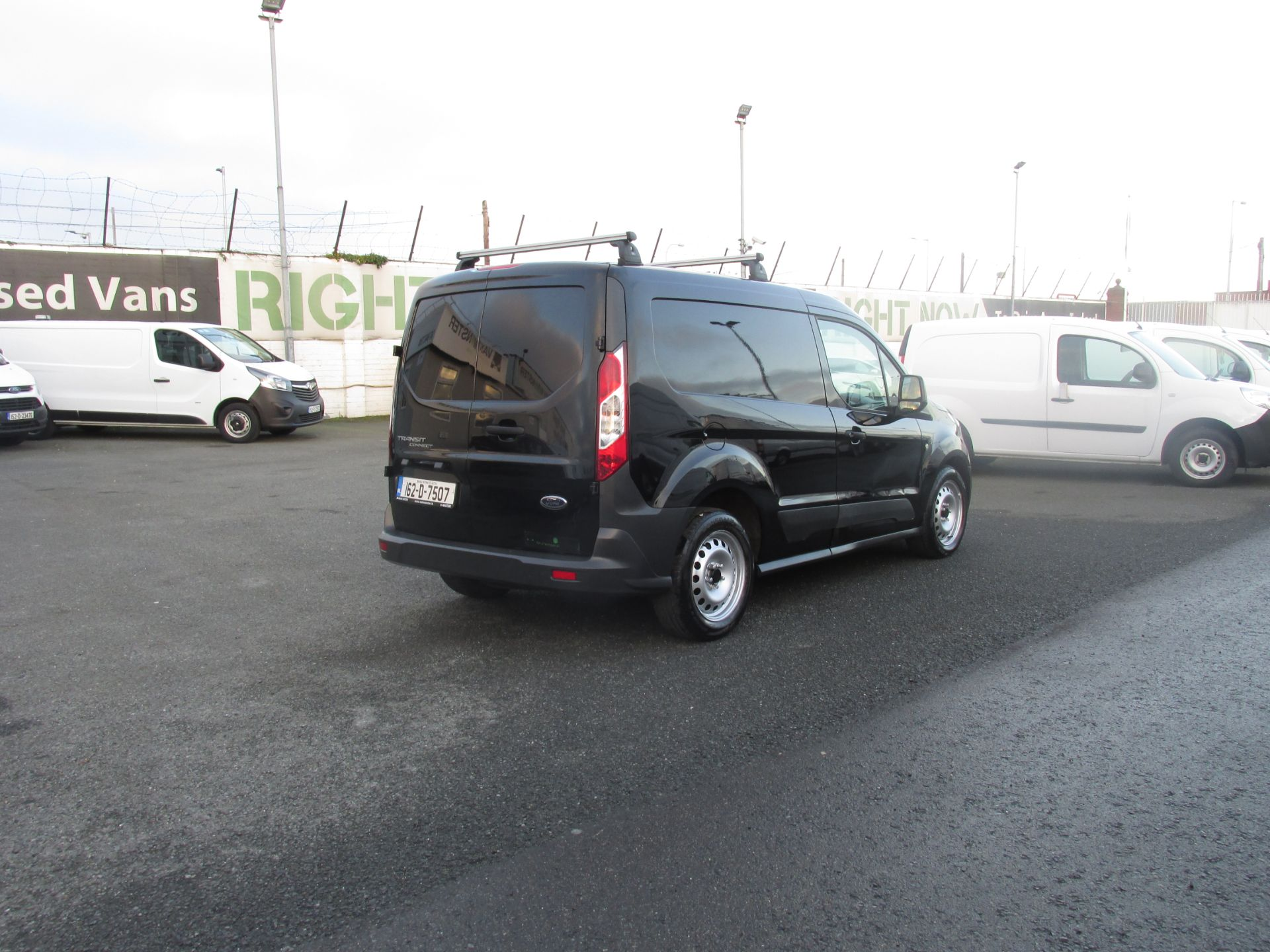 2016 Ford Transit T Connect SWB 1.5TD 75PS 5SPD - DEAL OF THE WEEK - R/RACK - PLY LINED -BLACK (162D7507) Image 3