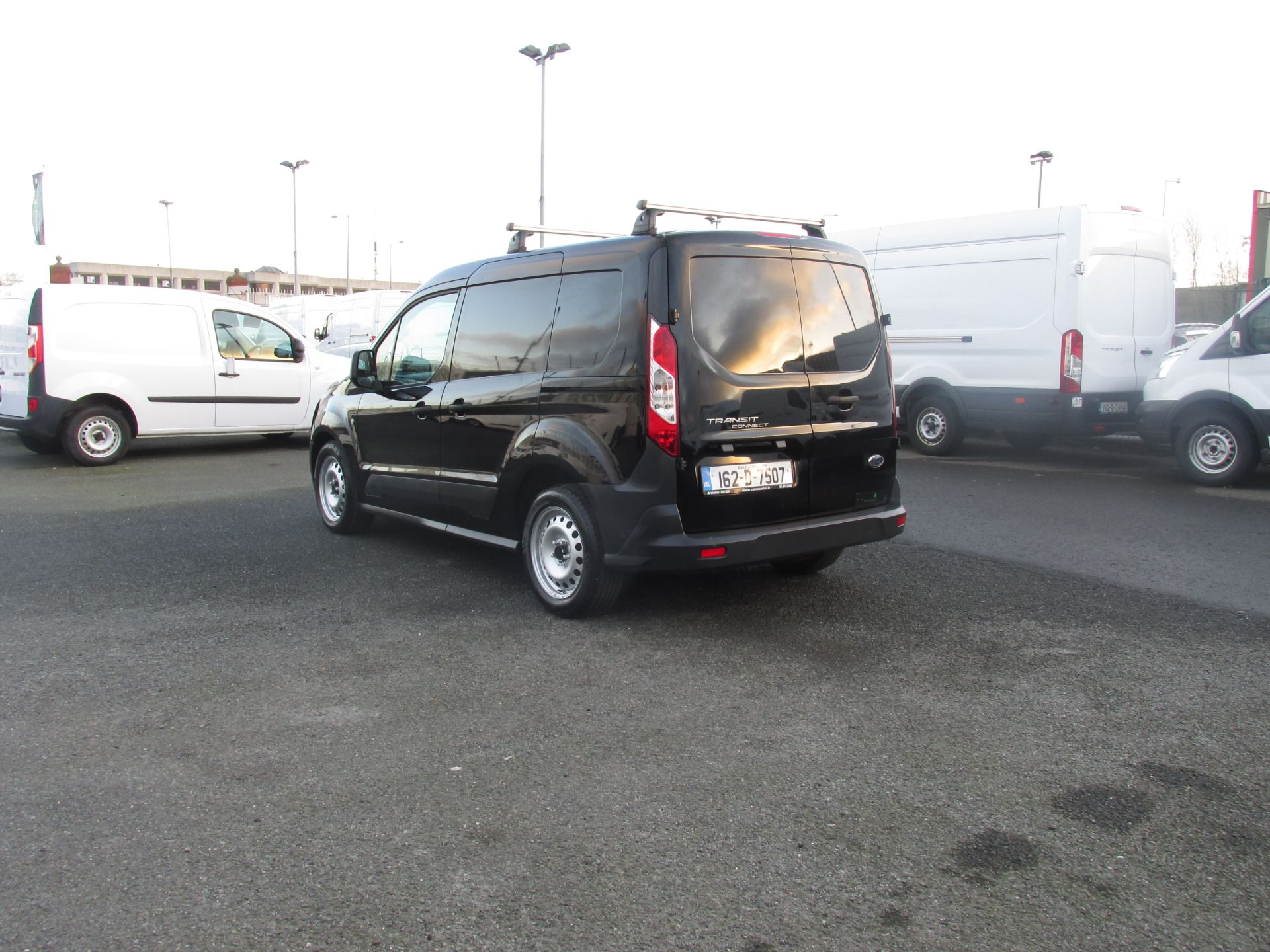 2016 Ford Transit T Connect SWB 1.5TD 75PS 5SPD - DEAL OF THE WEEK - R/RACK - PLY LINED -BLACK (162D7507) Image 5