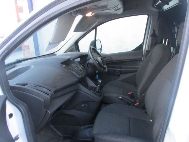 2016 Ford Transit Connect 220 P/V (162D24498) Image 10