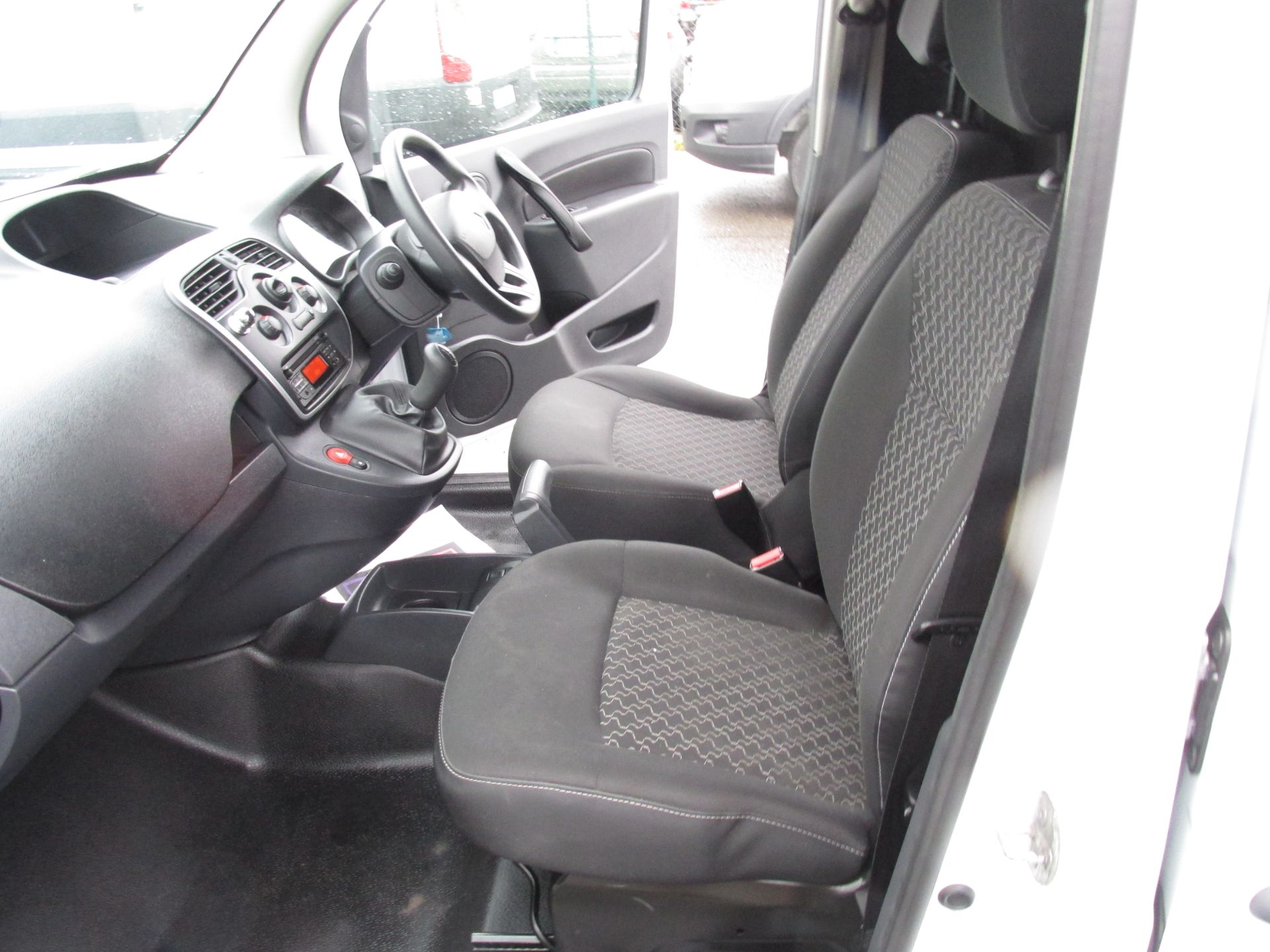 2017 Renault Kangoo ML19 Energy DCI 75 Business 2D click and collect call sales for more info (171D10568) Image 11