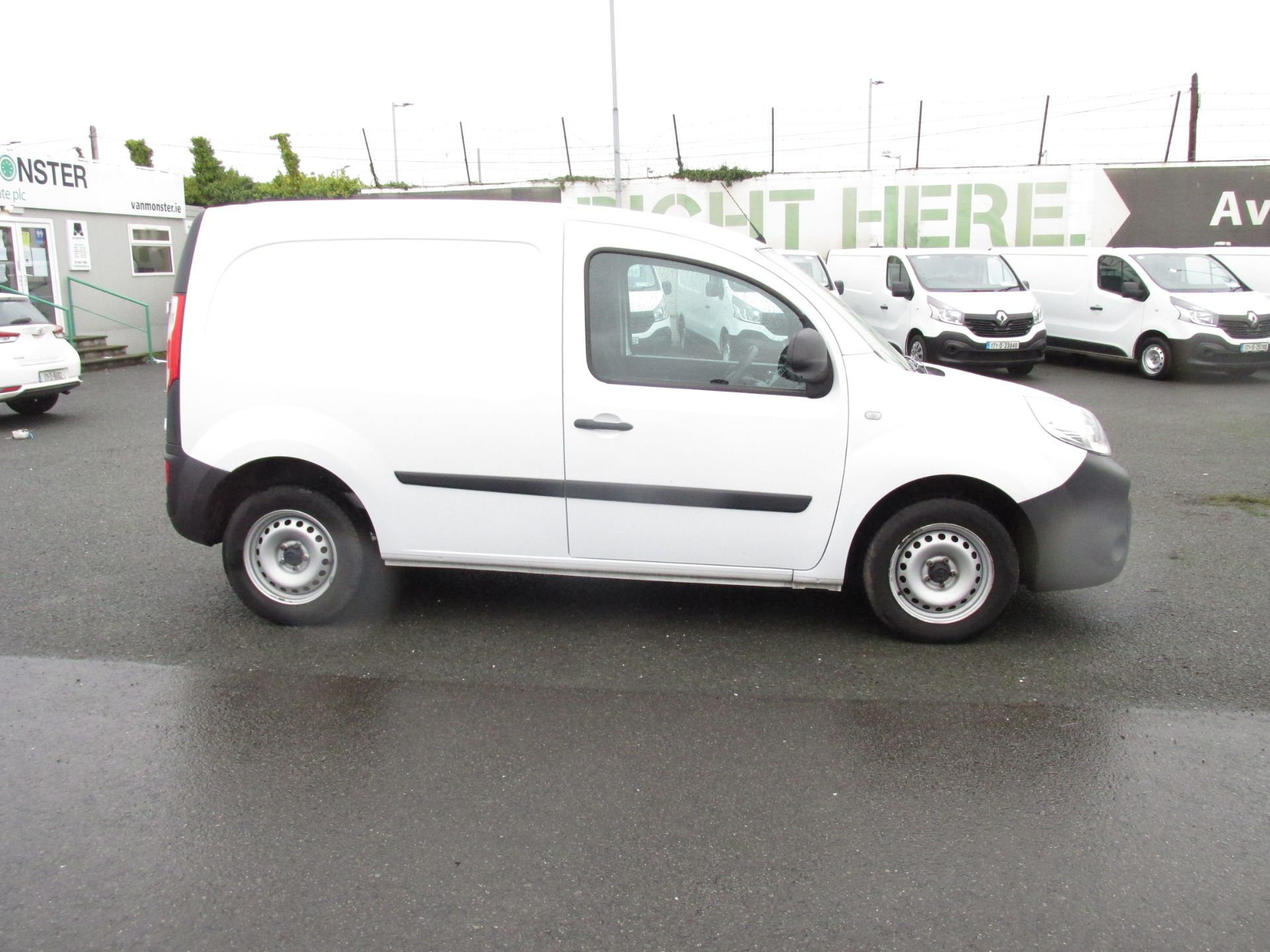 2017 Renault Kangoo ML19 Energy DCI 75 Business 2D click and collect call sales for more info (171D10568) Image 8