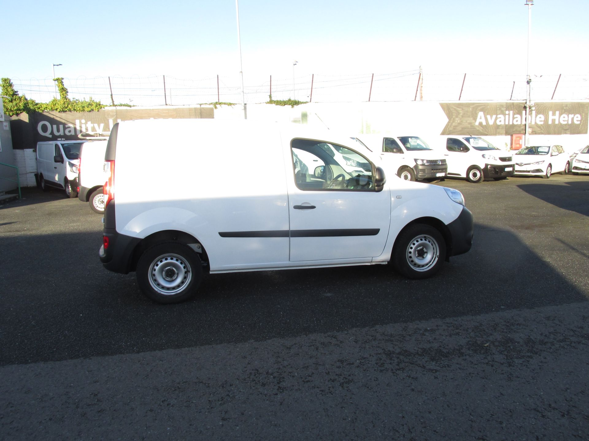 2017 Renault Kangoo ML19 Energy DCI 75 Business 2D click and collect call sales for more info (171D11271) Image 8