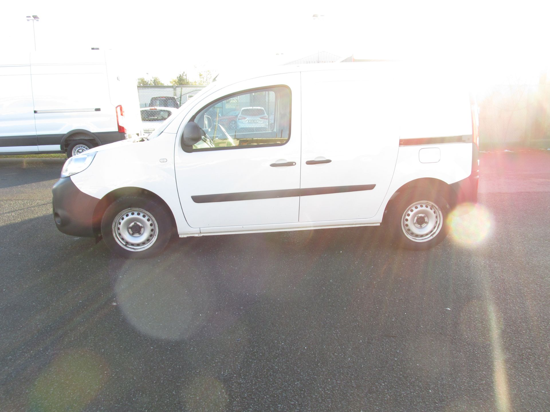 2017 Renault Kangoo ML19 Energy DCI 75 Business 2D click and collect call sales for more info (171D11271) Image 4