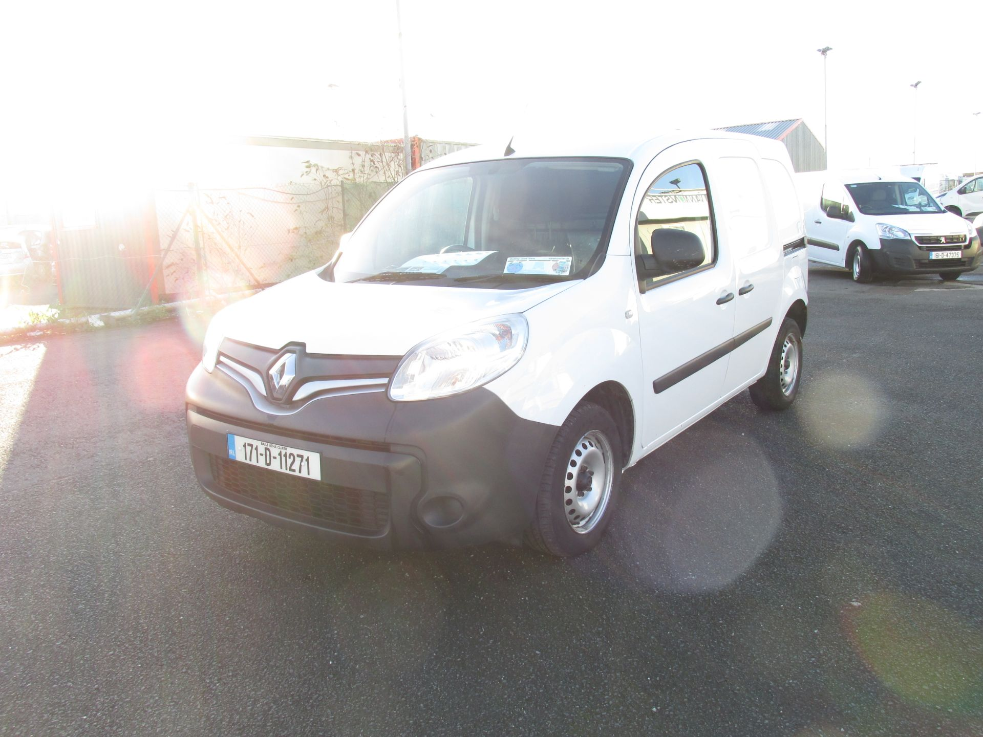 2017 Renault Kangoo ML19 Energy DCI 75 Business 2D click and collect call sales for more info (171D11271) Image 3