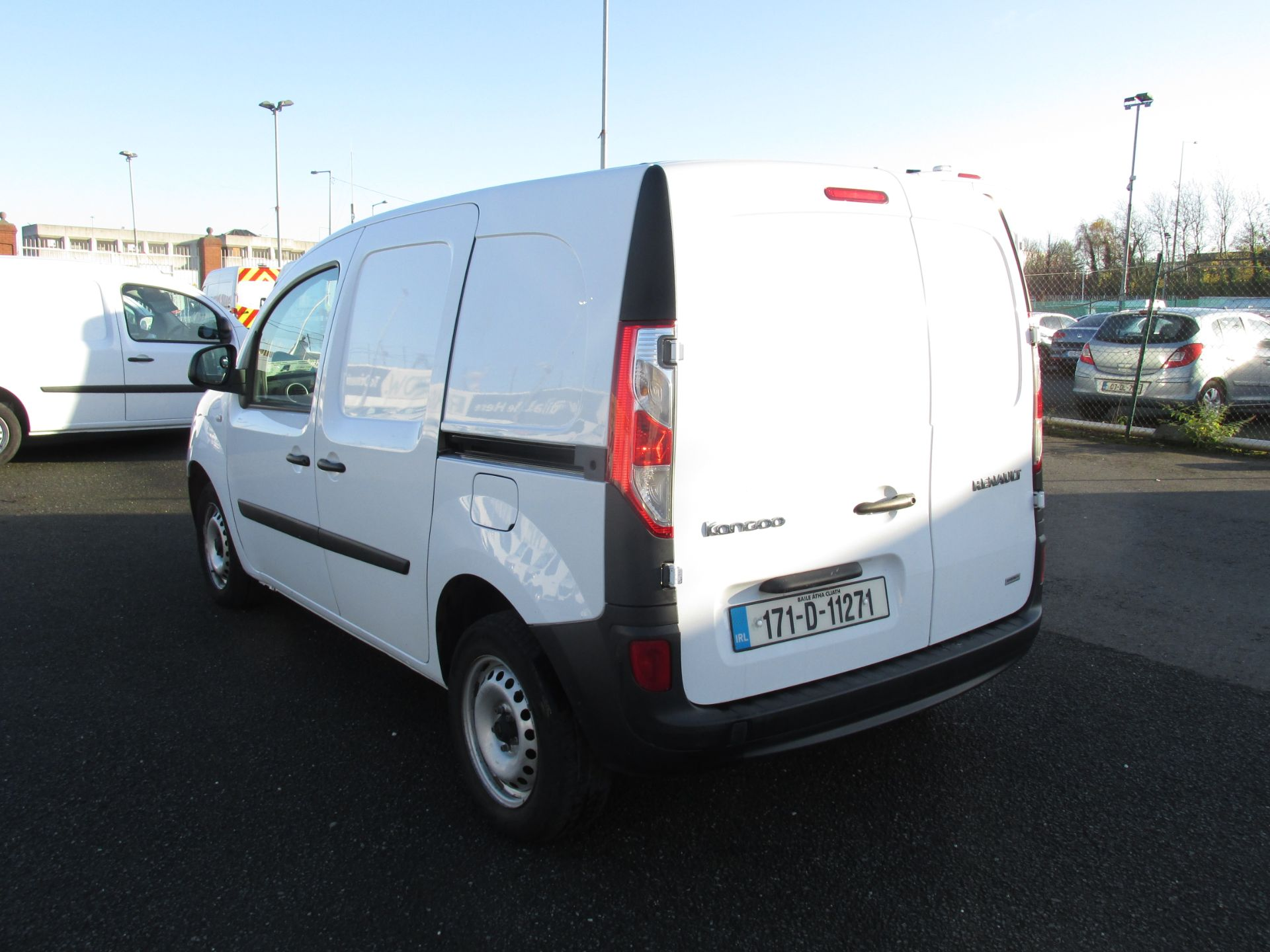 2017 Renault Kangoo ML19 Energy DCI 75 Business 2D click and collect call sales for more info (171D11271) Image 5