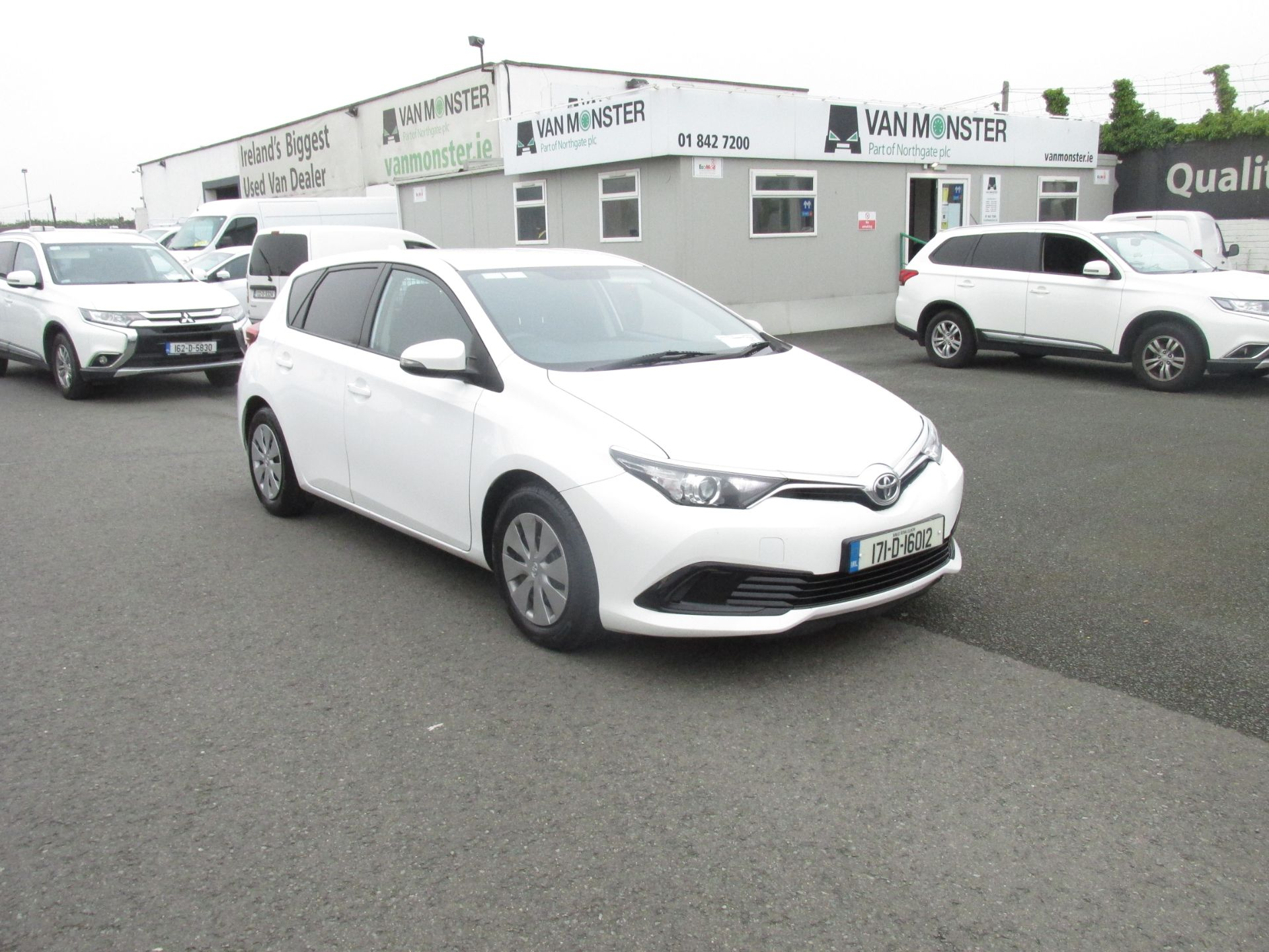 2017 Toyota Auris VAN 1.4 D4D Terra 4DR click and collect call sales for more info (171D16012)