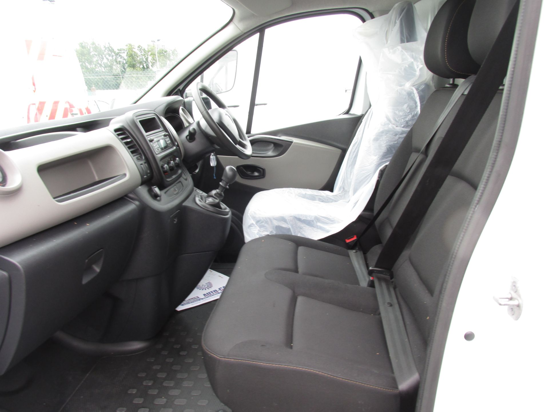 2017 Renault Trafic LL29 DCI 120 Business 3DR (171D23022) Image 11